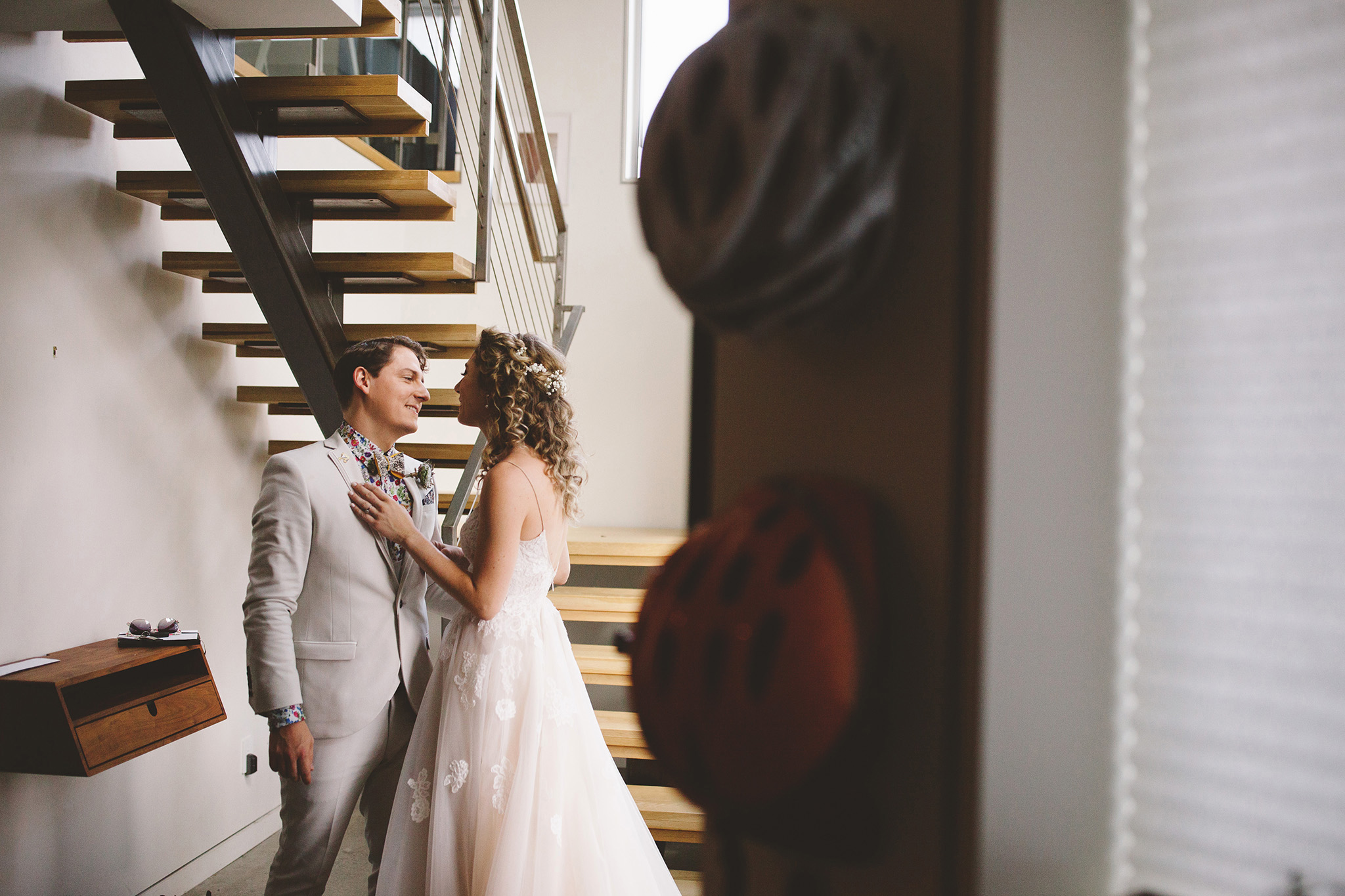Los Angeles wedding photographer modern wedding first look