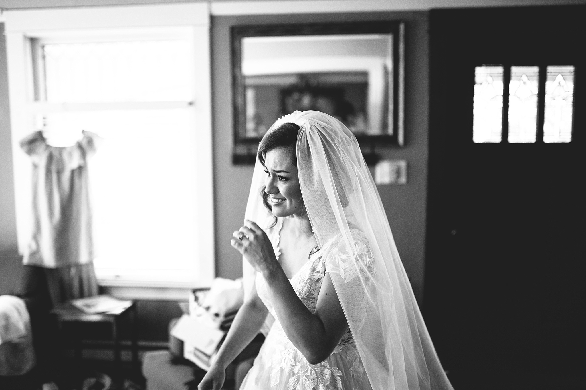 candid bridal reacton to seeing her dad