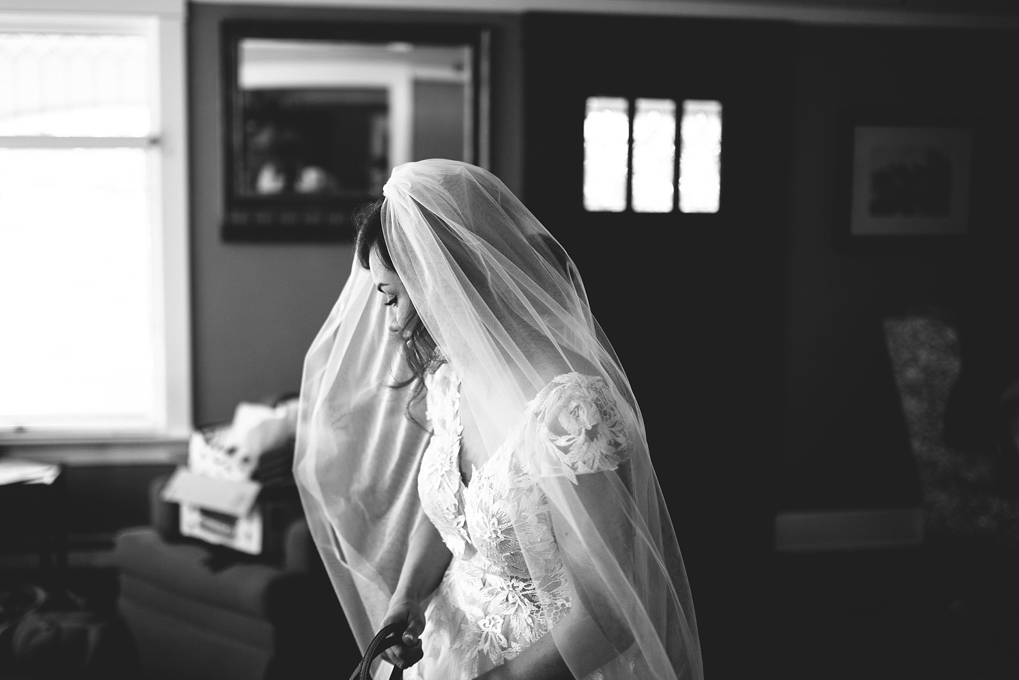 bridal black and white pnw wedding
