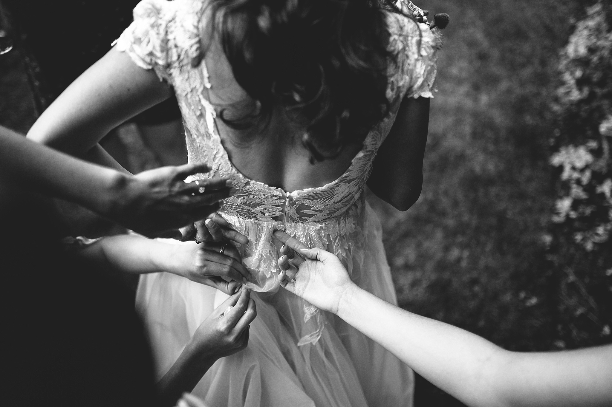 bride bustles her dress seattle wedding